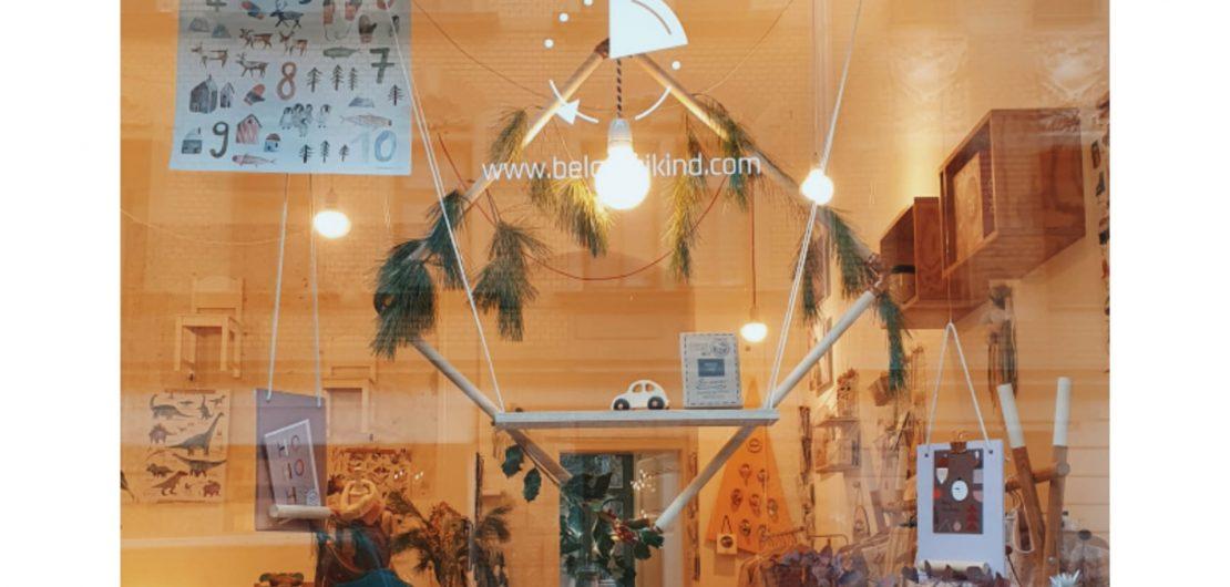 Ein Eindruck von unserem weihnachtlich geschmücktem Schaufenster